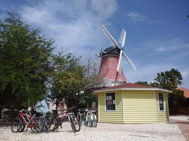 biking Aruba